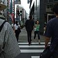 站在路邊的人都看起來好可怕QQ