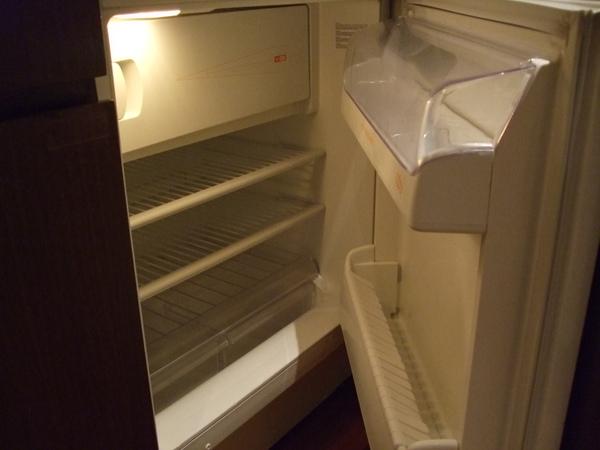 冰箱也沒東西