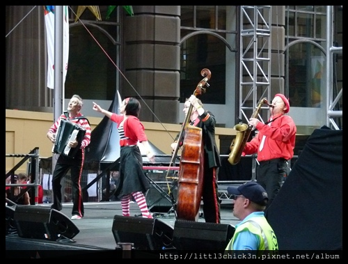 20121129_026_MartinPlaceTreeLighting.JPG