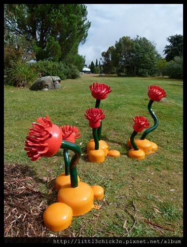 20150405_144619_LakeLightSculptureJindabyne.JPG