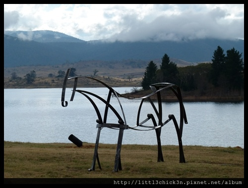 20150405_152639_LakeLightSculptureJindabyne.JPG