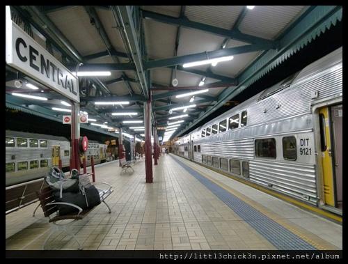 20150417_195235_SydneyCentralStation.JPG