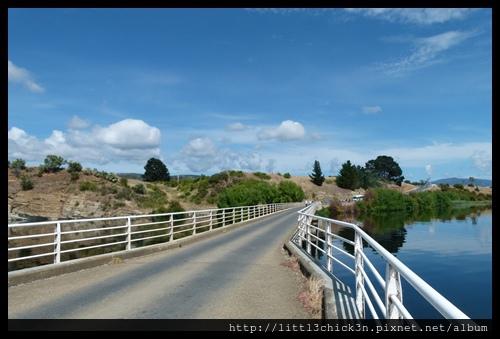 20111223_095355_0085_TasmaniaMeadowbankLake.JPG