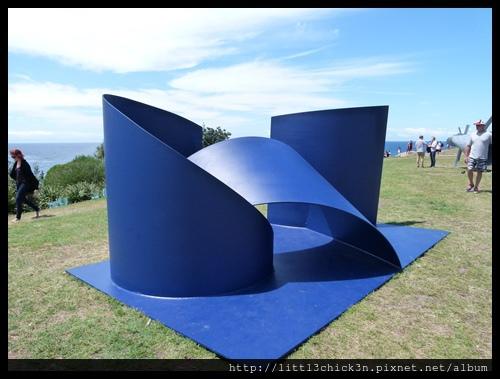20151024_113932_SculptureByTheSea.JPG