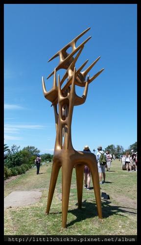 20151024_115440_SculptureByTheSea.JPG
