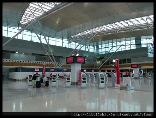 20151128_171417_SydneyQantasTerminal.JPG