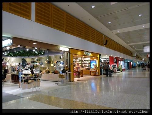 20151128_172607_SydneyQantasTerminal.JPG