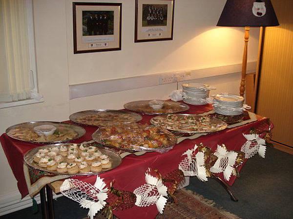 很多的食物!