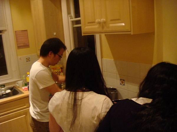 廚房忙忙忙