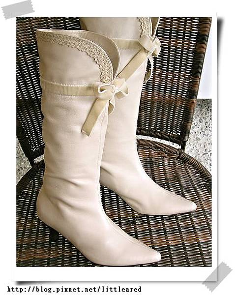 白蕾絲蝴蝶結長靴