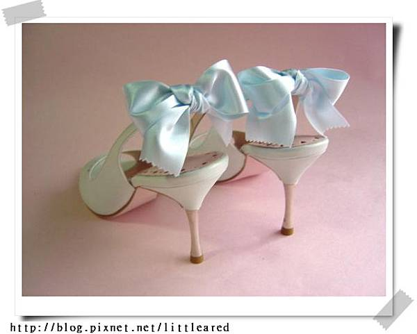 粉藍蝴蝶結高跟鞋.jpg