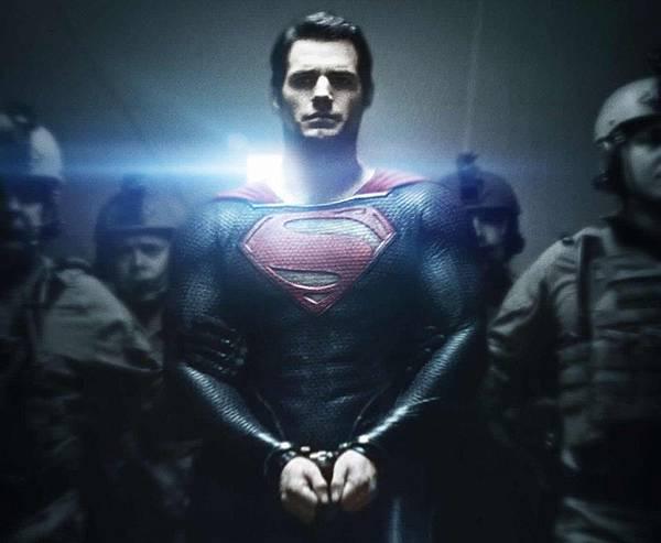 超人鋼鐵英雄;高等外星生物的降臨1.jpg
