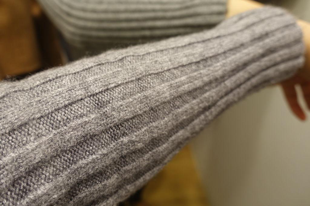 淘寶灰色針織衫-05.JPG