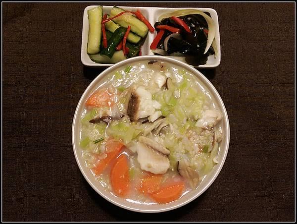 午餐 魚片粥+涼拌雙拼