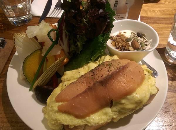 奶油蛋燻鮭魚320.jpg