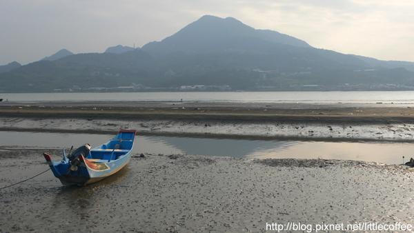 淡水河邊與觀音山