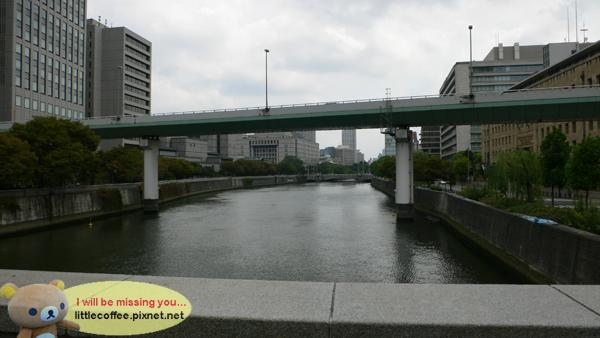 不知道是堂島川還是土佐堀川...