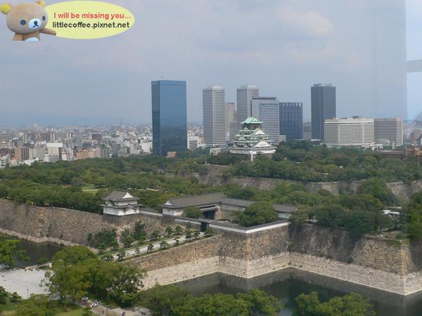 與現代建築融為一體的大阪城