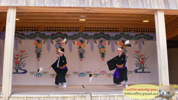 首里城的傳統舞蹈表演