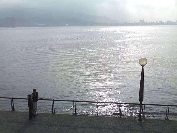 淡水岸燈.jpg
