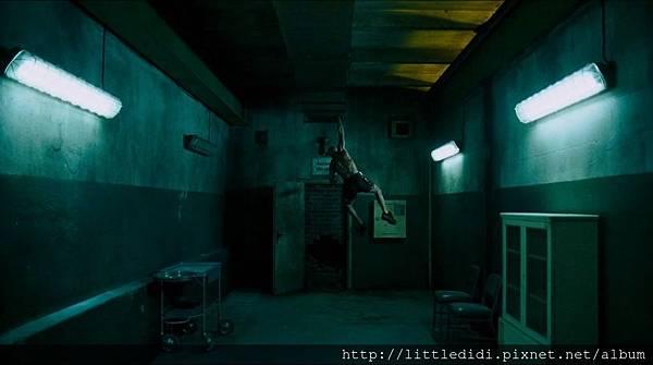 噬血地鐵站 (35).jpg