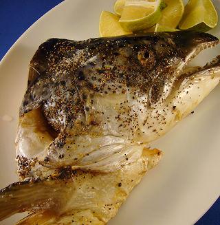高貴不貴的鹽烤鮭魚頭.jpg