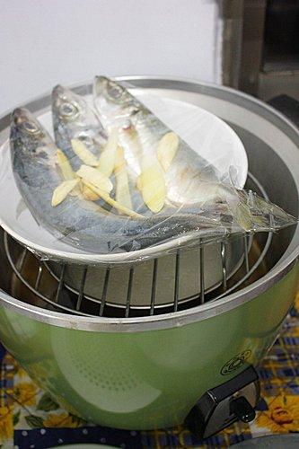 【烹飪】電鍋清蒸竹筴魚4 (1)