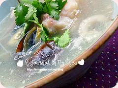 ★ [食譜] 芫荽皮蛋魚片湯