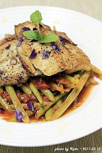 煎多利魚排佐四季豆