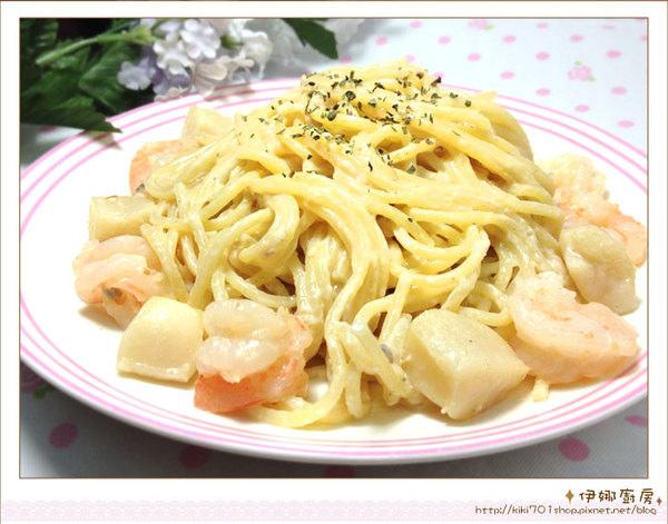 《伊娜廚房》簡易美味料理-白醬海鮮義大利麵