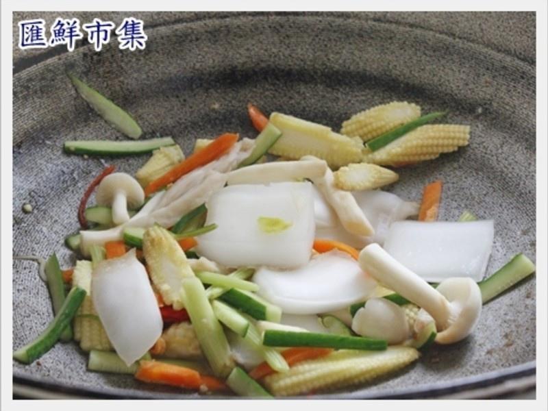 【膠原蛋白美顏料理】炒曼波魚皮5