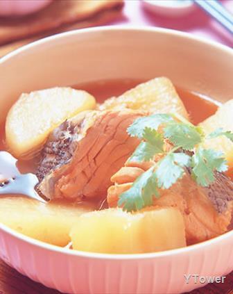 鮭魚頭燉蘿蔔.jpg