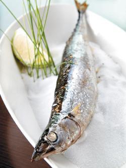 鹽燒秋刀魚.jpg