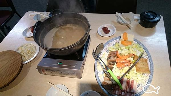 北海道大小沼餐廳03.jpg