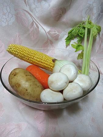 雞蓉蘑菇馬鈴薯濃湯