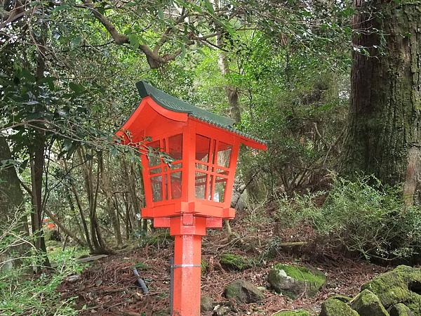 紅色象徵天皇會來參拜的神社