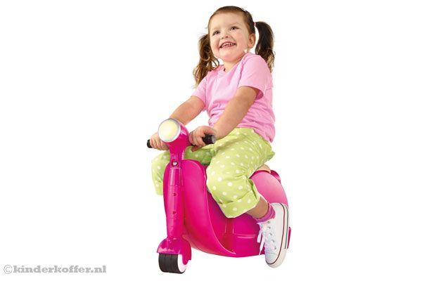 kinderkoffer_skoot_scooter_roze_meisje