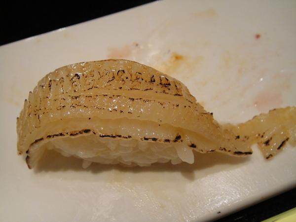 銀鱈鰭邊壽司