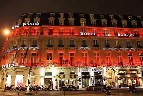夜晚的HOTEL SCRIBE