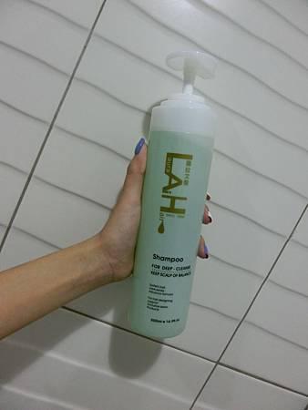 潔淨賦活洗髮精  (2).JPG
