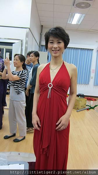 美麗的主持人麗雪.JPG