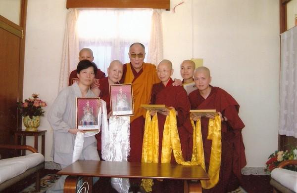 尊貴的法王達賴喇嘛及諸位師父