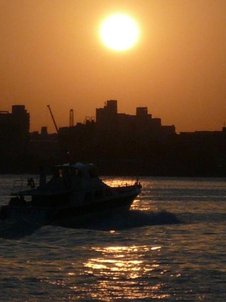 日輪'水'船