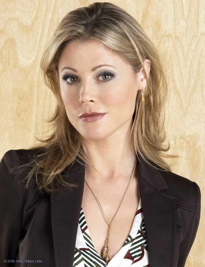 Julie Bowen2.jpg