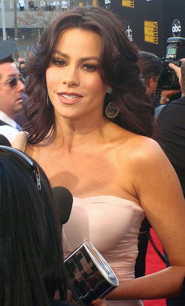 363px-Sofía_Vergara_2009_American_Music_Awards_Red_Carpet.jpg