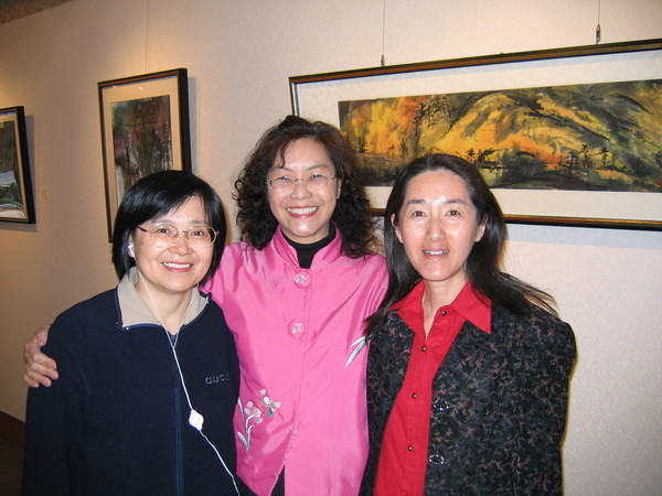 大明、華輝和我,最準時的三個女生。