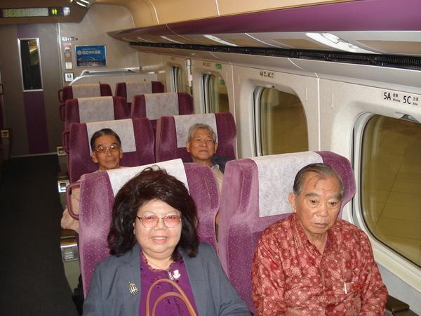 搭高鐵來回北高,便捷又舒適,這是台灣的驕傲。