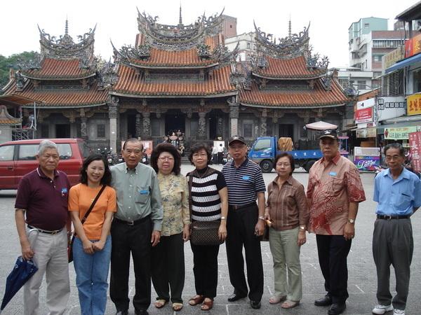 三峽清水祖師廟,百年古蹟香火鼎盛。
