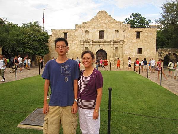 1836德州獨立,墨西哥大軍來襲,Alamo率領150戰士英勇力抗,堅守13日於此全軍捐軀.
