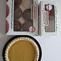 還有甜甜圈,巧克力草莓香草各種口味都有,但我覺得連原味都過甜呢.